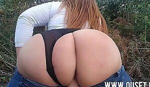 Chica con culo grande es follada en el bosque. Nuevos videos personales y exclusivos en porn movie porn movie onlyfans.com/ouset