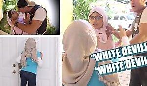 BANGBROS - Hit LIKE Button If You Still Masturbate To This Mia Khalifa Video :D