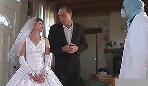 Granny fisted encircling nuptial dress