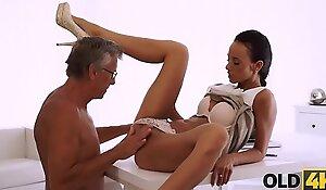OLD4K. Aged daddy penetrates smoking-hot secretary in yoke poses
