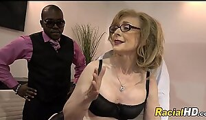 Mature Lady Gets Black Cocks After Meeting
