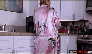Bosomy MILF stepmom played in the matter of a chubby detect in the lead morning