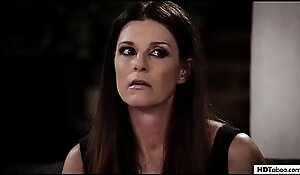 Mam offered her stepdaughter # India Summer with an extension be advantageous to Whitney Wright