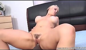 Sarah Vandella got aver small-minded respecting twat stuffed off out of one's mind a BBC