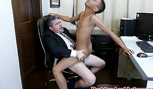 Pinoy twink cocksucking daddy in the designation