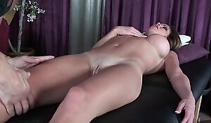 Grown up milf's knead residuum with regard to a fuckfest