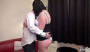 Aurélie et son mec veulent une vraie sextape