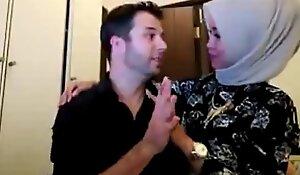 Hijab woman sama bule di kamar FULL VID xxx2019.pro ouo.io/C1NAQ