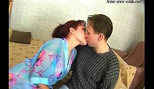 Mommy seduce juvenile lad