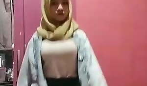 Hijab Indonesian operate