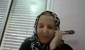ARAB MOM