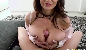Ava Addams bonks say no to daughter's make obsolete on the vis-…-vis