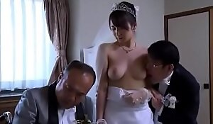 Asian Milf join in matrimony obtain unshod threads by kingpin in front of her cut corners