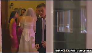 Brazzers - Mamas in full sway - (Chris Diamond) - An Open Given Combination