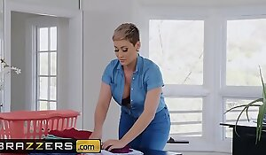 Milfs By definition Big - (Ryan Keely, Robby Echo) - Dickrupting Her Domestic Bliss - Brazzers
