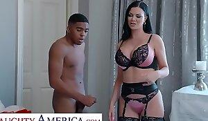 Dejected America - Jasmine Jae Bonks her son's friend of being nosy
