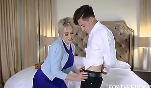 Get Ma Pregnant Son, Please- Dee Williams
