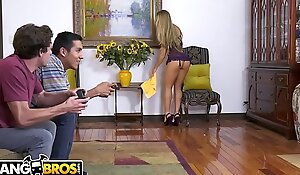 BANGBROS - MILF Nicole Aniston Gives Young Guy A Own up Enlargened off out of one's mind Rocks His World