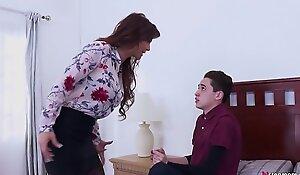 Declaratory Stepmom makes their way Son fellow-feeling a amour their way ass! - Syren De Mer