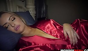 Son fingers his sleeping mommy - fucked up family sex