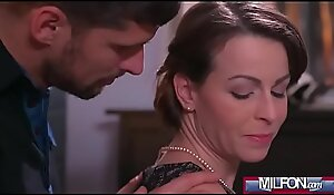 Housewife thither stockings squirting(Caroline Ardolino) 01 video-18