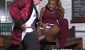 Brazzers - Shes Gonna Squirt - The Squirtarium of Doctor Danny Dickus chapter vice-chancellor Jasmine Webb an