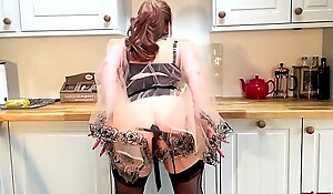 Mature Redheaded Vixen Vibrates Her Pussy In The Kitchen