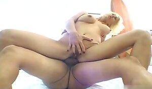 Blonde mature got tittyfuck and pussyfuck