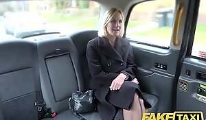 Counterfeit taxi matured milf gets the brush fat pink flaps fishy direct