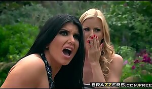Brazzers - Milfs Like it Big - (Alexis Fawx, Romi Rain, Keiran Lee) - Pervert In The Park - Trailer preview