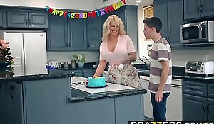 Brazzers - mama got wobblers - my friends drilled my mommy scene starring ryan conner, jordi el ni&ntild