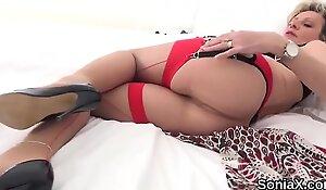 Unfaithful english mature gill ellis unveils her heavy boobies