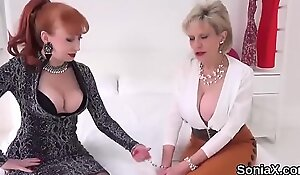 Unfaithful uk mature lady sonia presents her enormous knockers