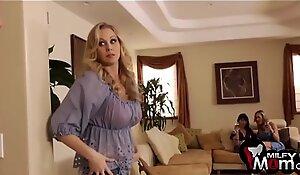 Brandi honour eva karera and julia ann fuck paw - milfymomsex xxx video