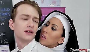NUN teaches students THREESOME