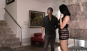 Handyman fucks mature receiver housewife with big tits