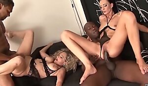 2 matures get pussy and ass fucked by black men
